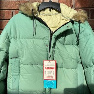 Vintage puffer coat light green NWT women's large